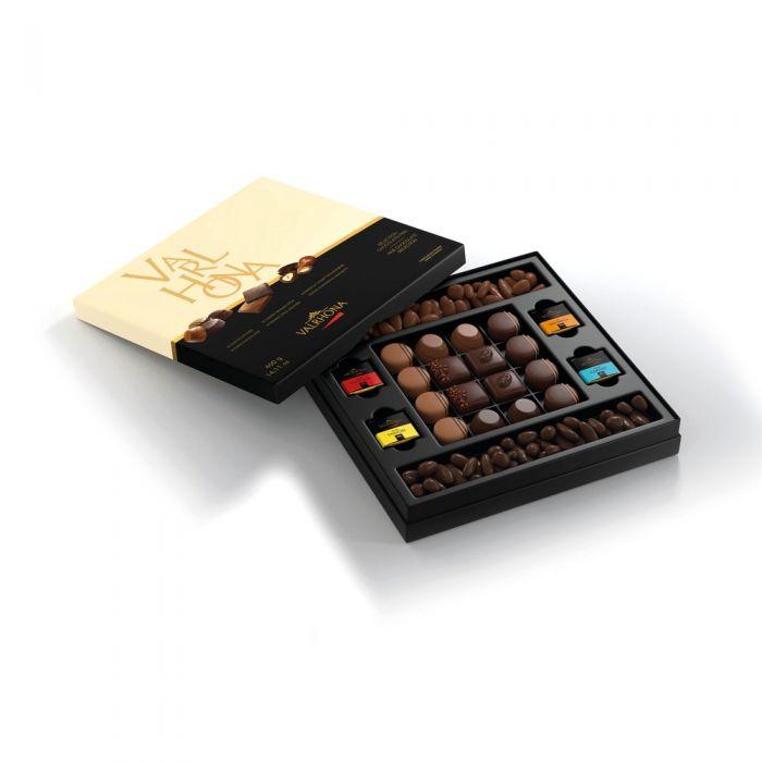 selección de chocolates y dulzuras por valrhona