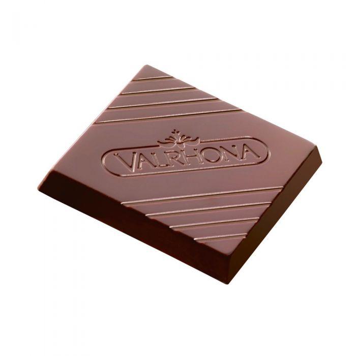 carrés de chocolate negro y con leche por valrhona