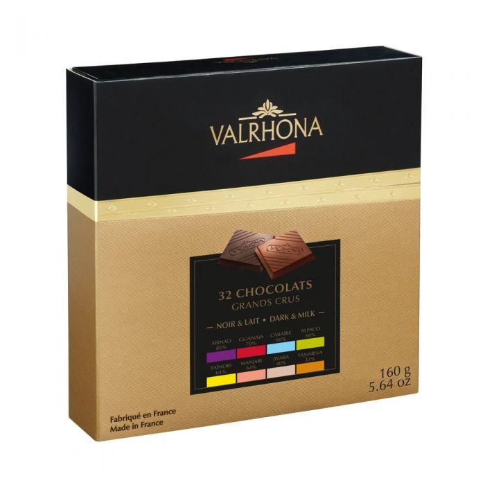 carrés de chocolate negro y chocolate con leche por valrhona